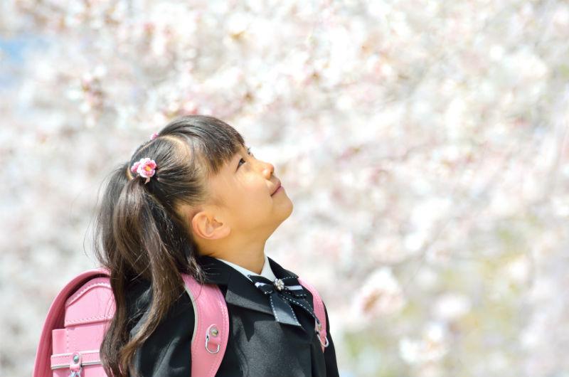世界マザーサロンオンライン子育て座談会:小学校入学式女の子