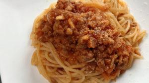 野菜のうまみたっぷり♪大豆ミート(ソイミート)ソースパスタ