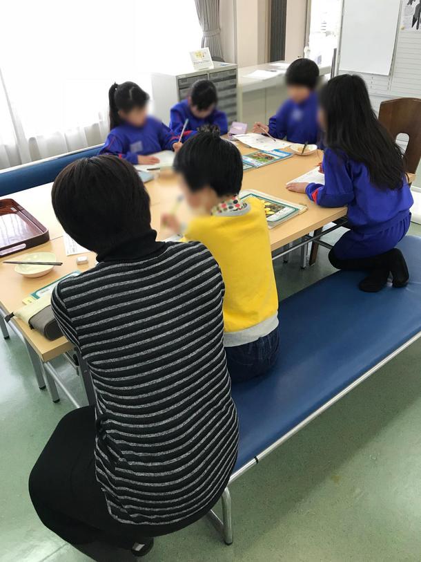 長野学習支援施設「チャージ!」指導員と一緒にお勉強