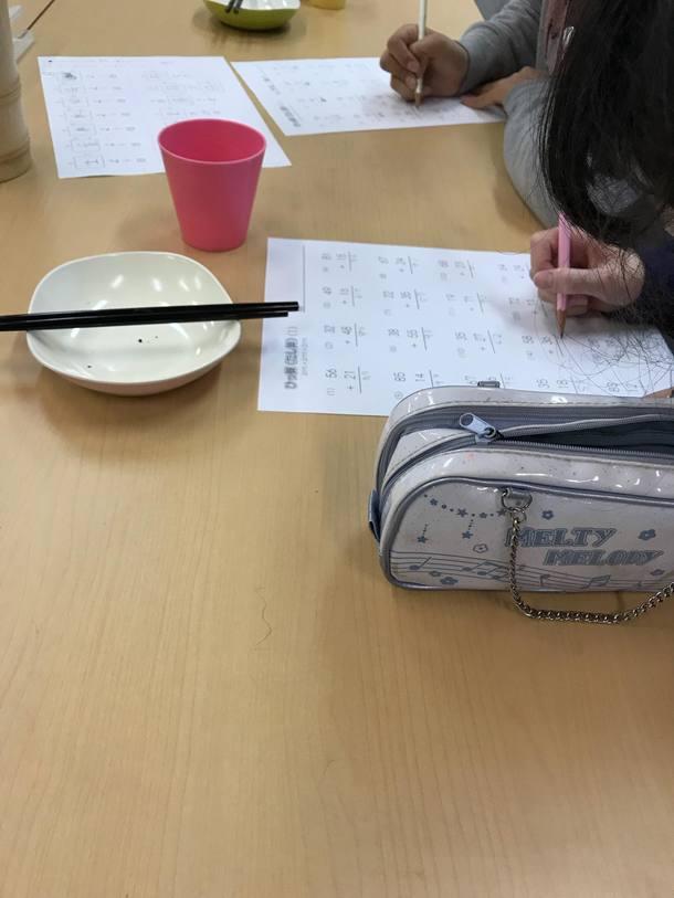 長野学習支援施設「チャージ!」おやつのあとは学習タイム