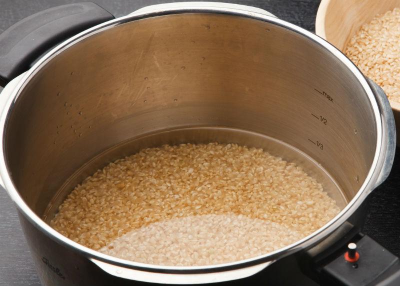 玄米の栄養を上手に摂取するには「浸水」がポイント!