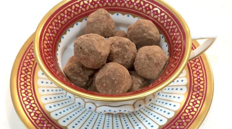 こぼれ梅のRAWチョコレートトリュフ